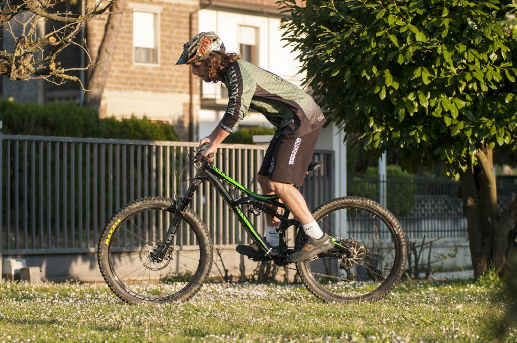 Tutorial come fare l'hop 180 in mountainbike
